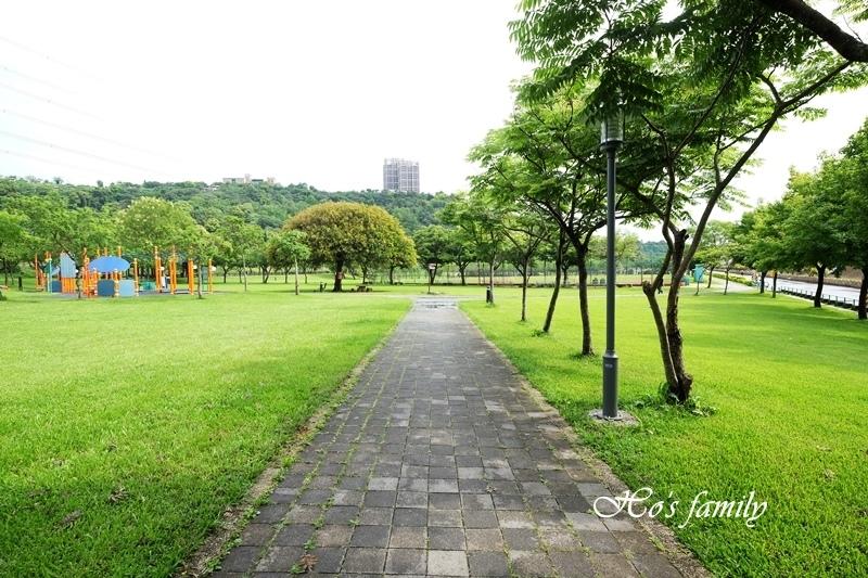 【桃園親子公園】大溪河濱公園3.JPG