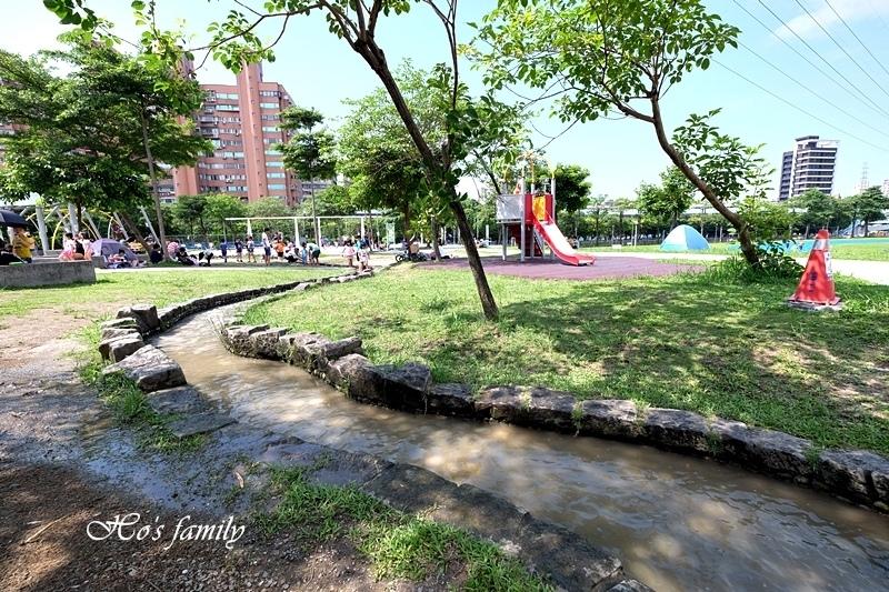 【新北玩水景點】中和錦和運動公園4.JPG