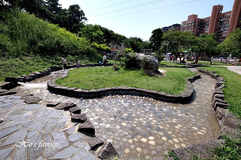 【新北玩水景點】中和錦和運動公園5.JPG