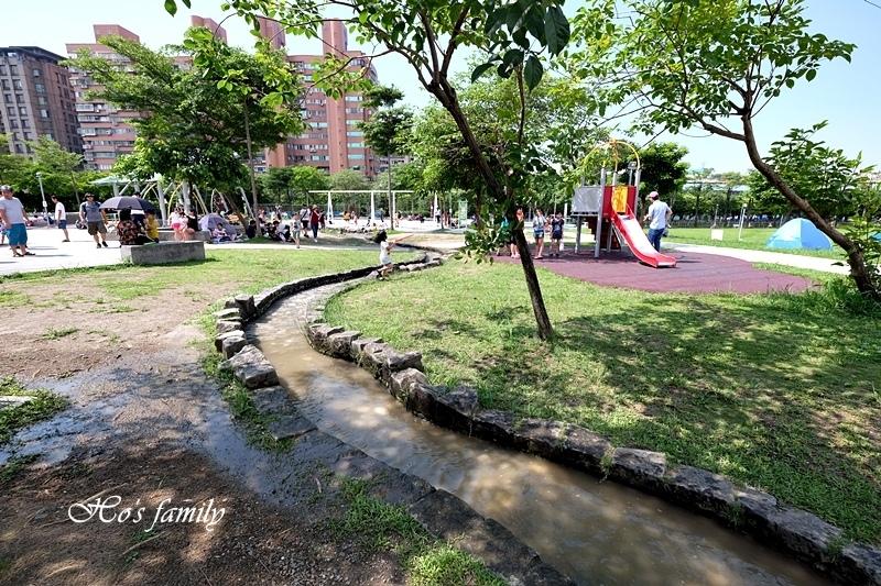 【新北玩水景點】中和錦和運動公園6.JPG