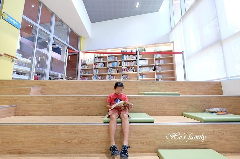 【桃園親子室內景點】桃園市立圖書館龍潭分館12.JPG
