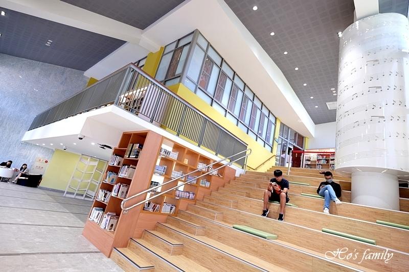 【桃園親子室內景點】桃園市立圖書館龍潭分館16.JPG