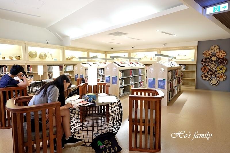 【桃園親子室內景點】桃園市立圖書館龍潭分館21.JPG