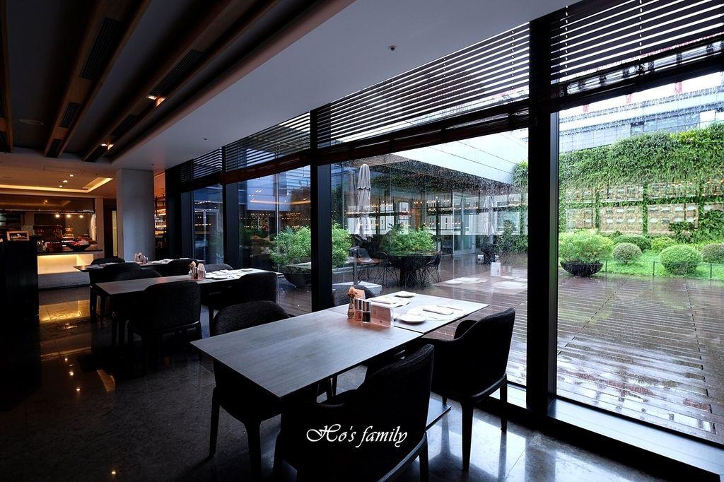 【信義區美食】寒舍艾麗酒店LA FARFALLA義式餐廳3.JPG