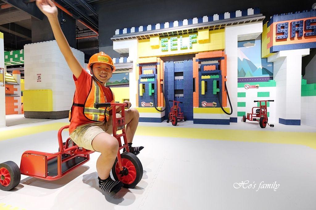 【桃園親子室內景點】KID'S建築樂園A8桃園店建築工程體驗館6.JPG