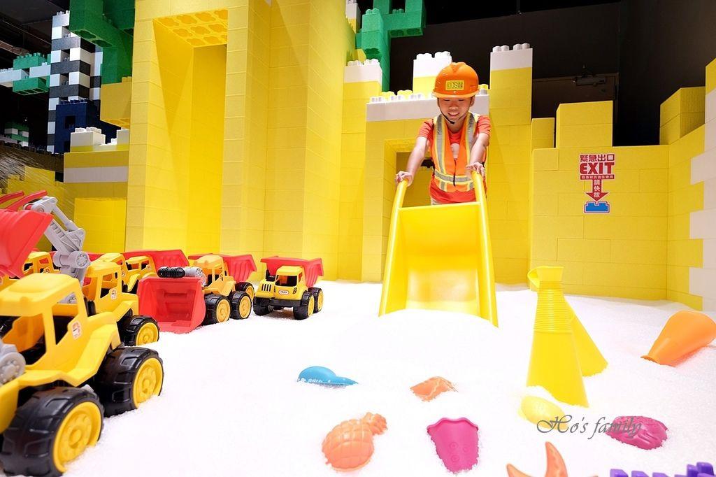 【桃園親子室內景點】KID'S建築樂園A8桃園店建築工程體驗館10.JPG