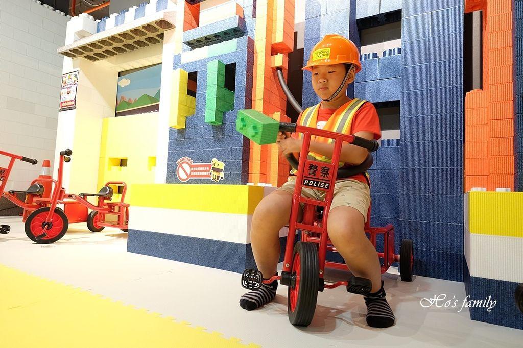 【桃園親子室內景點】KID'S建築樂園A8桃園店建築工程體驗館7.JPG