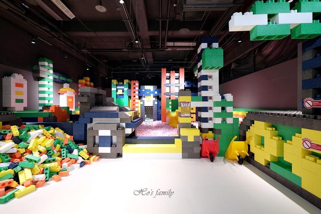 【桃園親子室內景點】KID'S建築樂園A8桃園店建築工程體驗館11.JPG