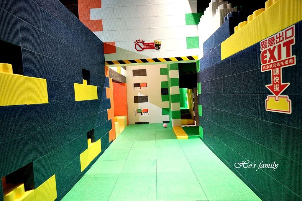 【桃園親子室內景點】KID'S建築樂園A8桃園店建築工程體驗館13.JPG