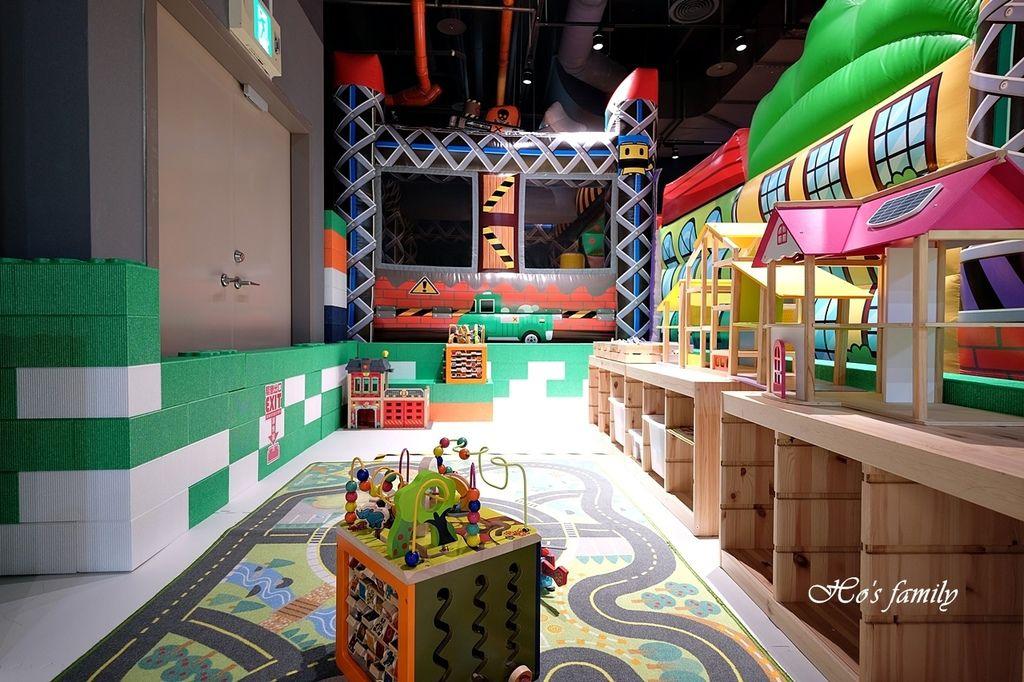 【桃園親子室內景點】KID'S建築樂園A8桃園店建築工程體驗館32.JPG