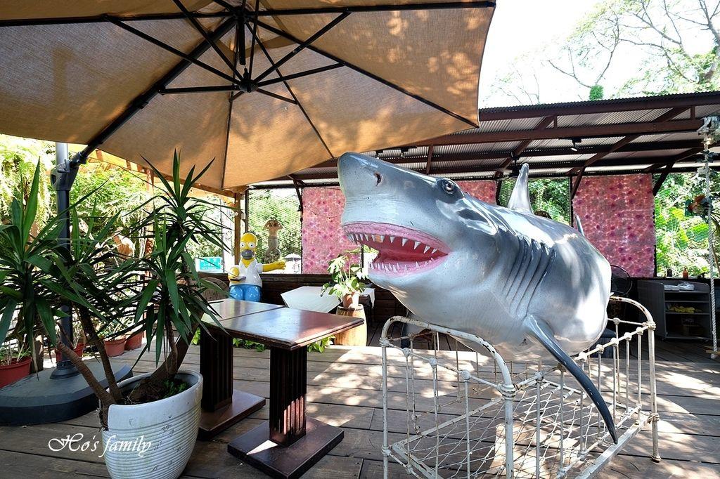 【淡水美食】Binma Area 134~森林系玻璃屋景觀咖啡廳!樹屋、水管屋, ig打卡絕美景點15.JPG