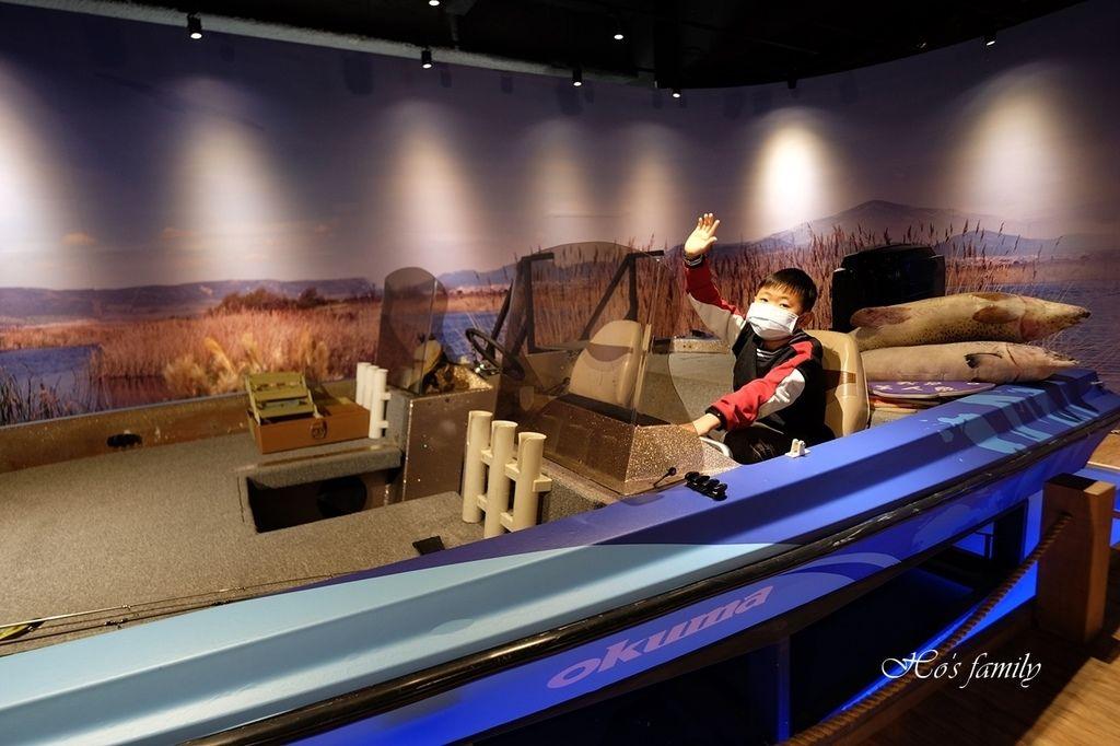 【台中室內親子景點】寶熊漁樂碼頭~世界唯一巨無霸旋轉釣魚機在這裡!亞洲首座釣魚觀光工廠玩虛擬釣魚、3D劇場、親子DIY、美式遊樂場13.JPG
