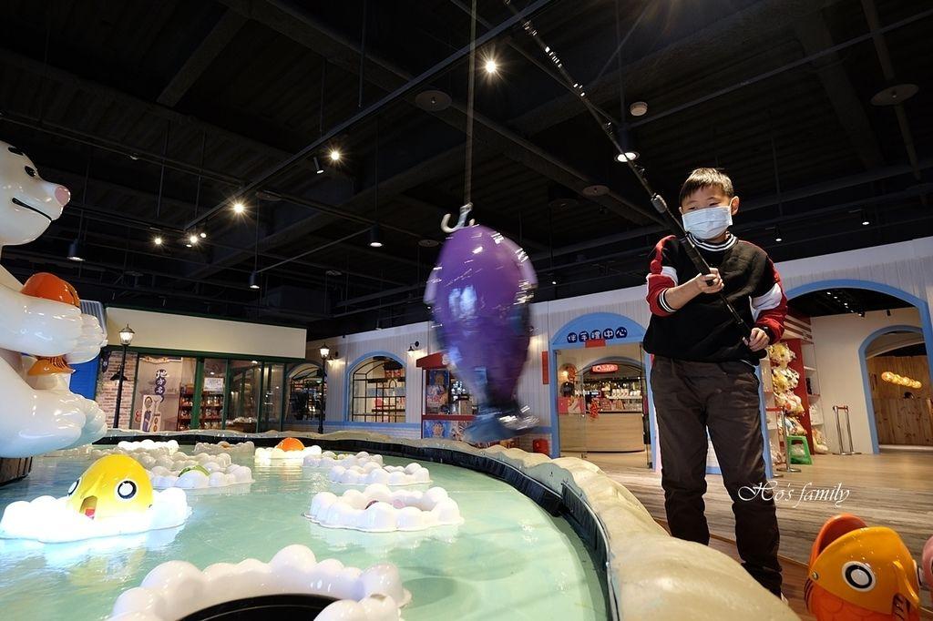 【台中室內親子景點】寶熊漁樂碼頭~世界唯一巨無霸旋轉釣魚機在這裡!亞洲首座釣魚觀光工廠玩虛擬釣魚、3D劇場、親子DIY、美式遊樂場46.JPG