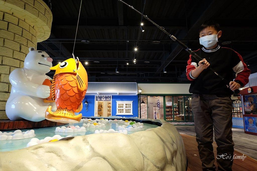【台中室內親子景點】寶熊漁樂碼頭~世界唯一巨無霸旋轉釣魚機在這裡!亞洲首座釣魚觀光工廠玩虛擬釣魚、3D劇場、親子DIY、美式遊樂場49.JPG