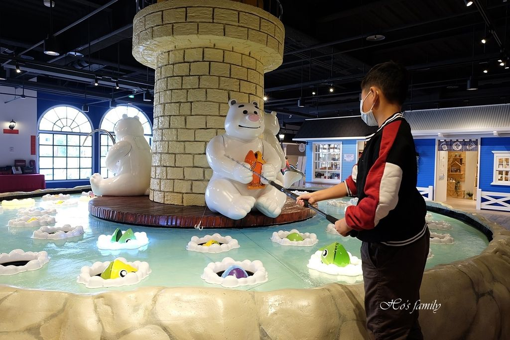 【台中室內親子景點】寶熊漁樂碼頭~世界唯一巨無霸旋轉釣魚機在這裡!亞洲首座釣魚觀光工廠玩虛擬釣魚、3D劇場、親子DIY、美式遊樂場48.JPG