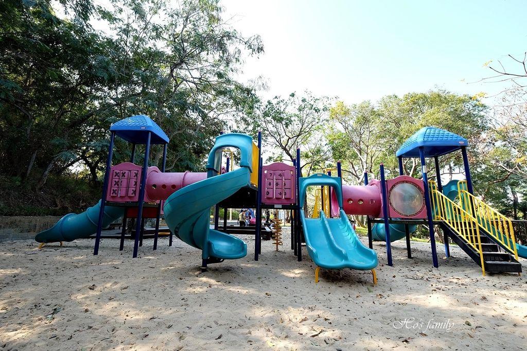 【彰化親子景點】華陽公園特色公園遊戲場1.JPG