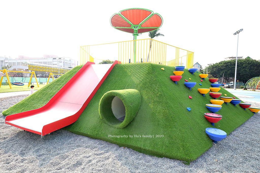 中部親子玩水景點彰化兒童公園共融遊戲場~溜滑梯、爬網、親子鞦韆、遮陽沙坑、免費玩水戲水池11.JPG