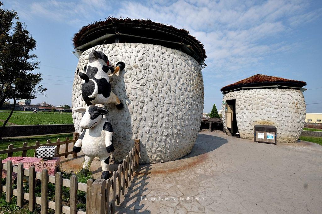 【雲林親子景點】千巧谷牛樂園牧場~免門票親子農場進距離親近餵乳牛、玩沙7.JPG