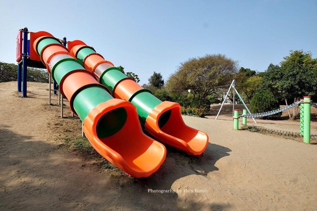 【台南親子景點】明和公園~台南首座地景遊戲場!高速水管溜滑梯、攀爬網、高空溜索,野餐玩公園一日遊6.JPG