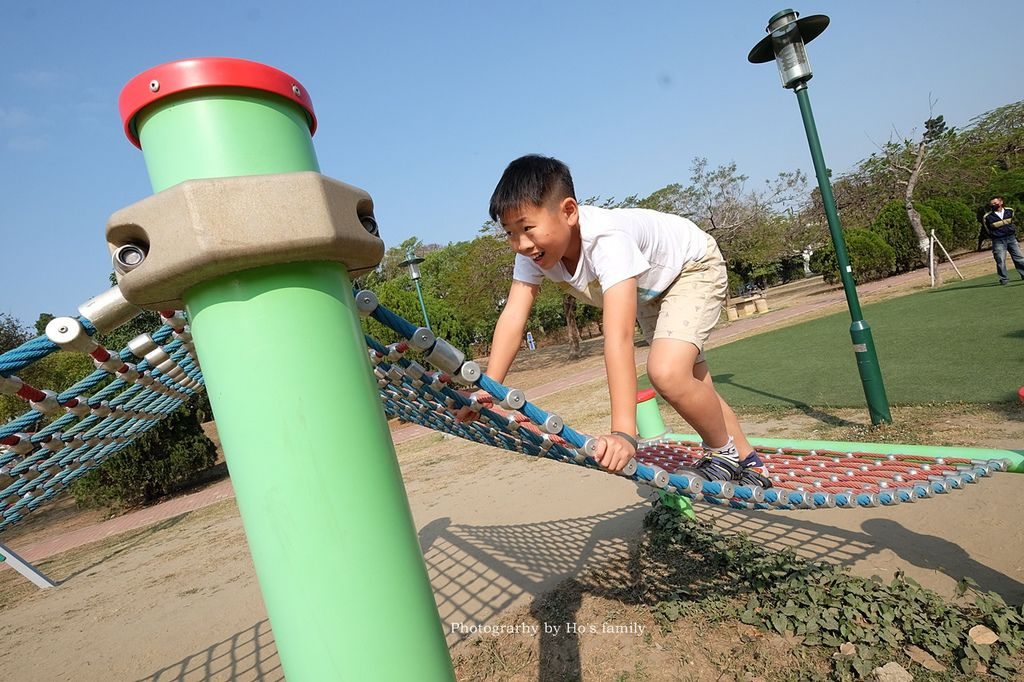 【台南親子景點】明和公園~台南首座地景遊戲場!高速水管溜滑梯、攀爬網、高空溜索,野餐玩公園一日遊10.JPG