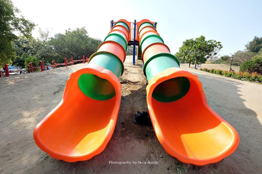【台南親子景點】明和公園~台南首座地景遊戲場!高速水管溜滑梯、攀爬網、高空溜索,野餐玩公園一日遊刊頭.JPG