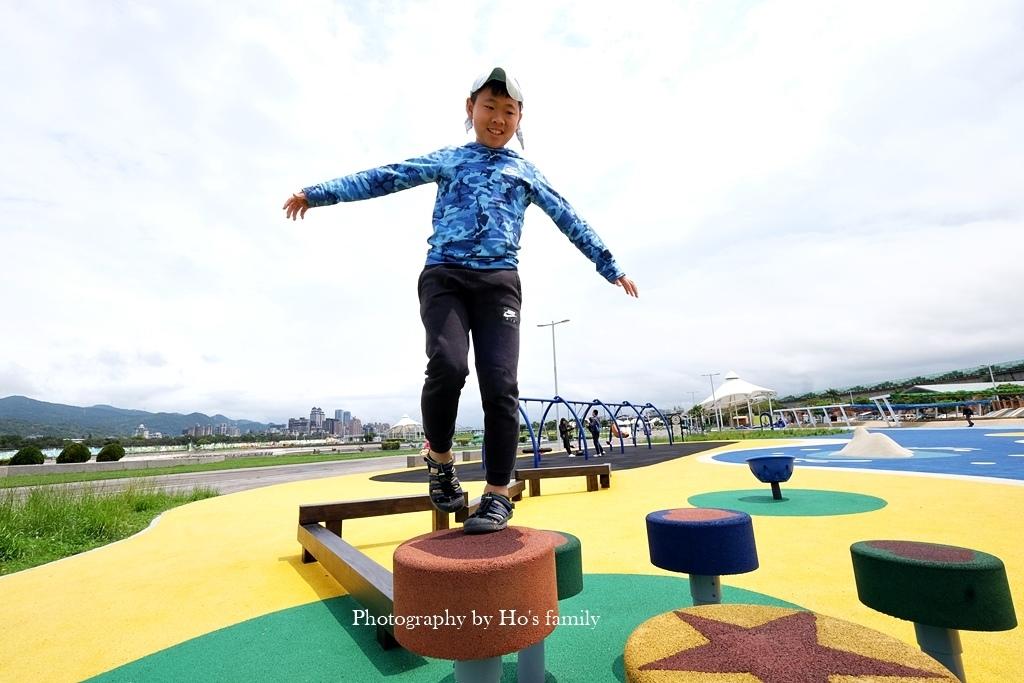 【台北親子公園】大佳河濱公園海洋遊戲場~全國最大河濱共融遊樂場!玩水玩沙野餐騎腳踏車一次滿足15.JPG