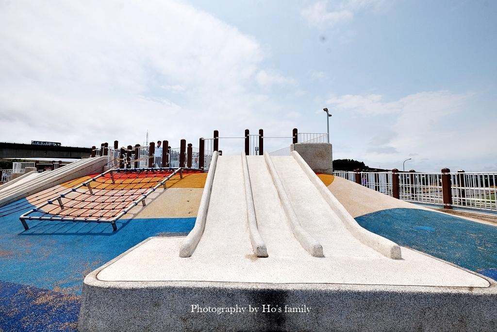 【台北親子公園】大佳河濱公園海洋遊戲場~全國最大河濱共融遊樂場!玩水玩沙野餐騎腳踏車一次滿足25.JPG