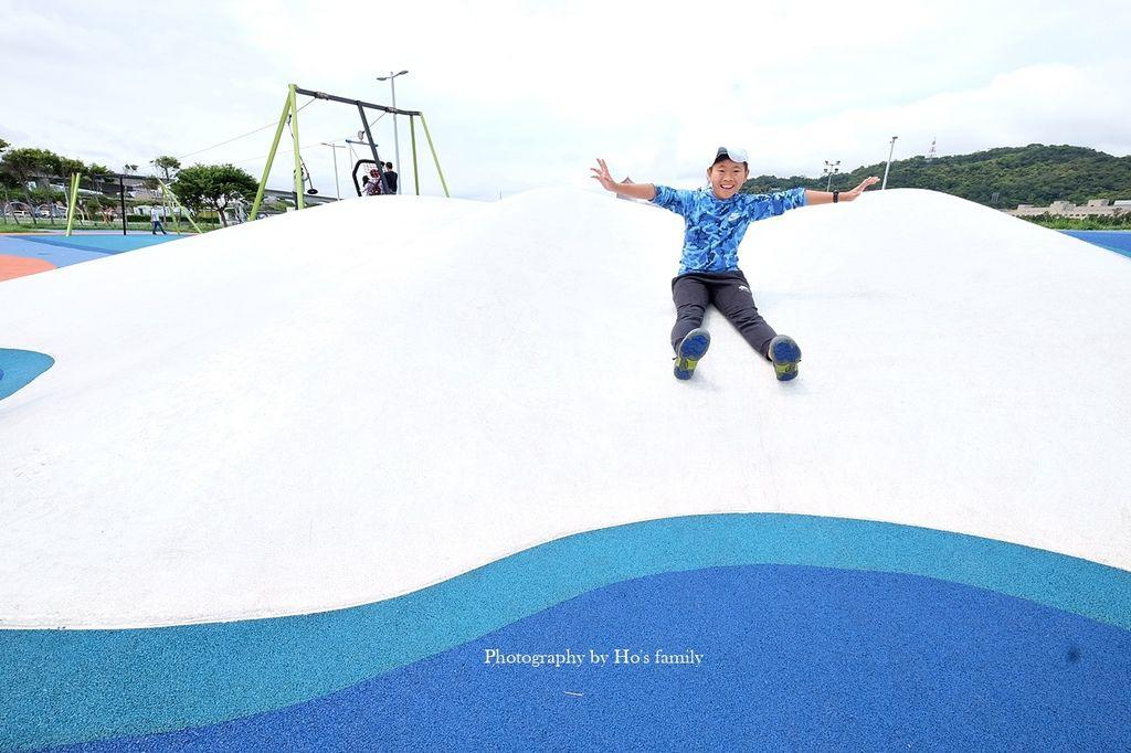【台北親子公園】大佳河濱公園海洋遊戲場~全國最大河濱共融遊樂場!玩水玩沙野餐騎腳踏車一次滿足39.JPG