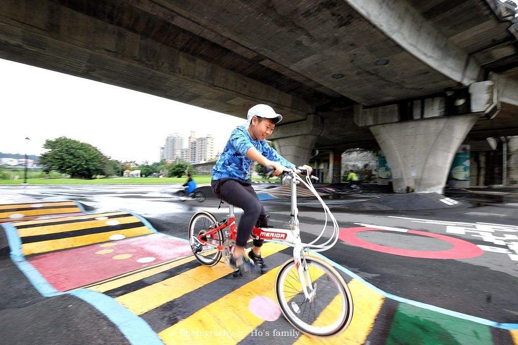 【新北親子公園】微樂山丘自行車躍動場~橋下單車秘境!兒童單車、Pushbike練習場,親子騎腳踏車一日遊景點6.JPG