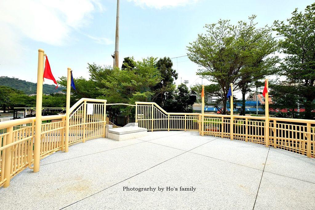 【天母夢想樂園】天母棒球場共融親子公園遊戲場!天母夢想公園、棒球溜滑梯、交通27.JPG