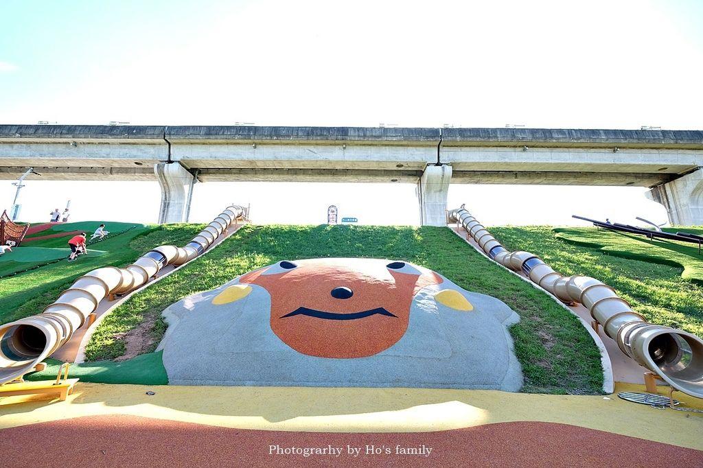 【新北大都會公園】獼猴溜滑梯、大台北都會公園幸運草地景溜滑梯、瀑布滑草場、堤坡滑梯樂園、停車及交通2.JPG
