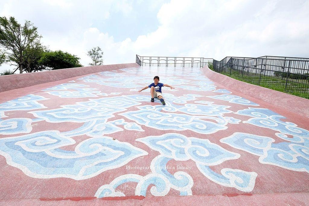 嘉義親子景點故宮南院兒童創意中心~免費室內親子館玩互動體驗!2020全新戶外遊戲區磨石溜滑梯、戲水池、沙坑玩翻天13.JPG