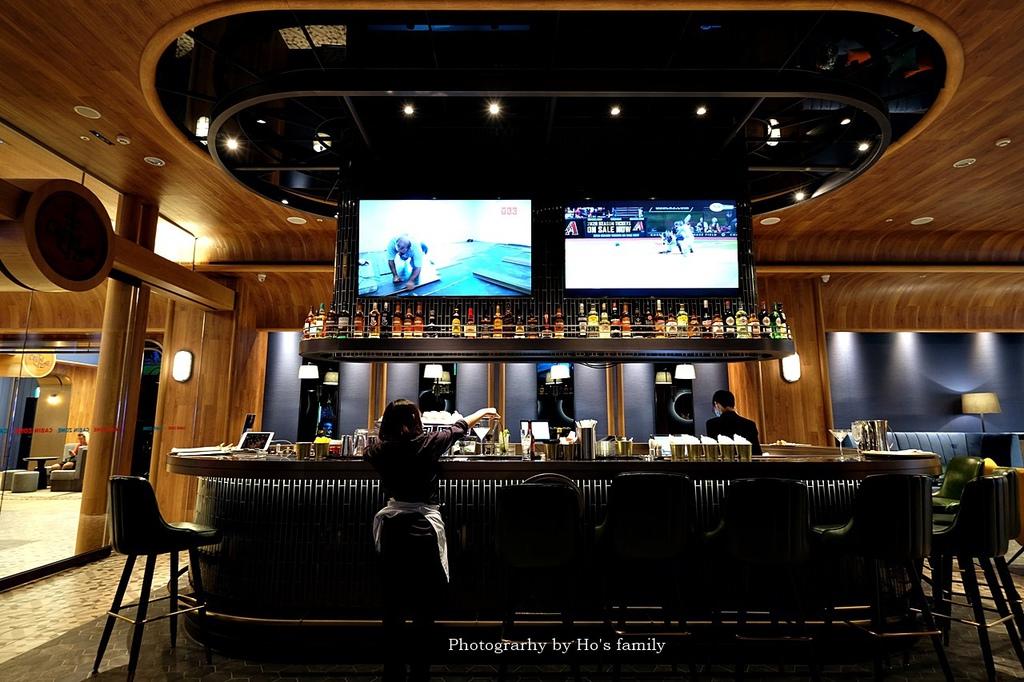 【和逸飯店桃園青埔館】Xpark住宿、室內BBQ露營野餐、船艙造型酒吧、夜宿水族館24.JPG
