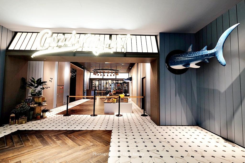 【和逸飯店桃園青埔館】Xpark住宿、室內BBQ露營野餐、船艙造型酒吧、夜宿水族館38.JPG