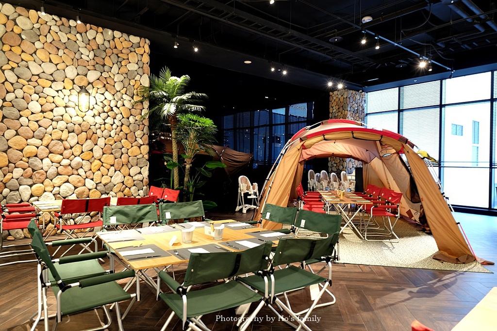 【和逸飯店桃園青埔館】Xpark住宿、室內BBQ露營野餐、船艙造型酒吧、夜宿水族館46.JPG