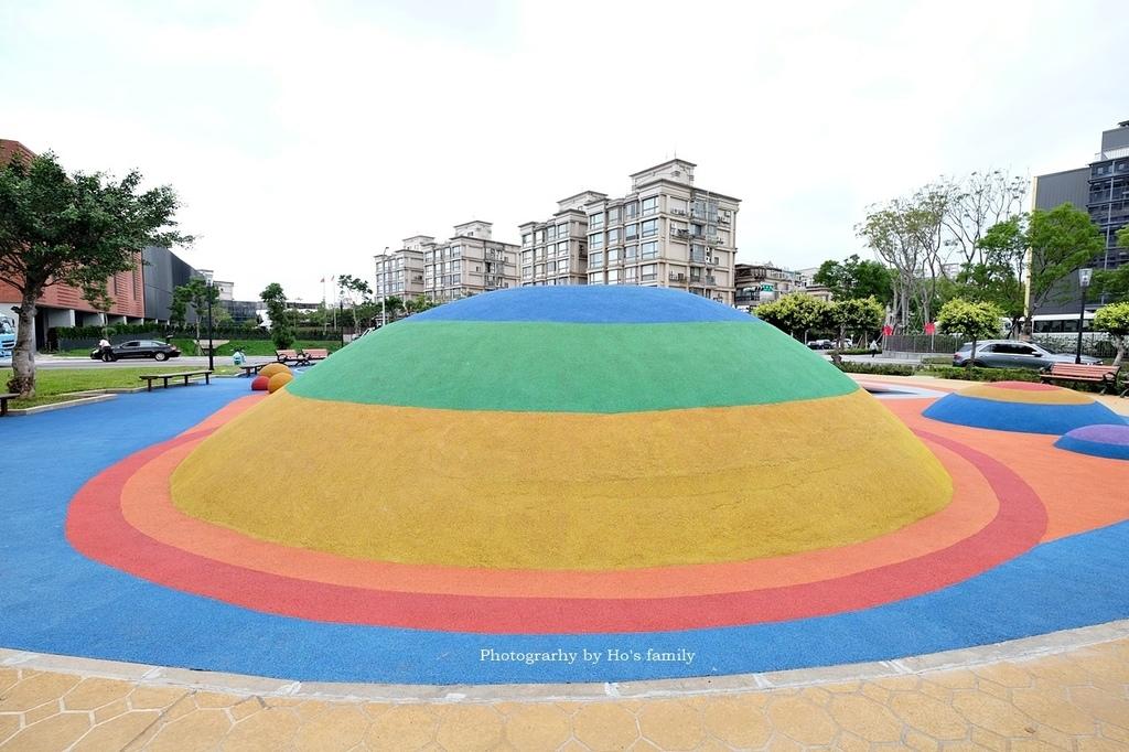 【林口特色共融公園】市17跳跳糖兒童遊戲場5.JPG