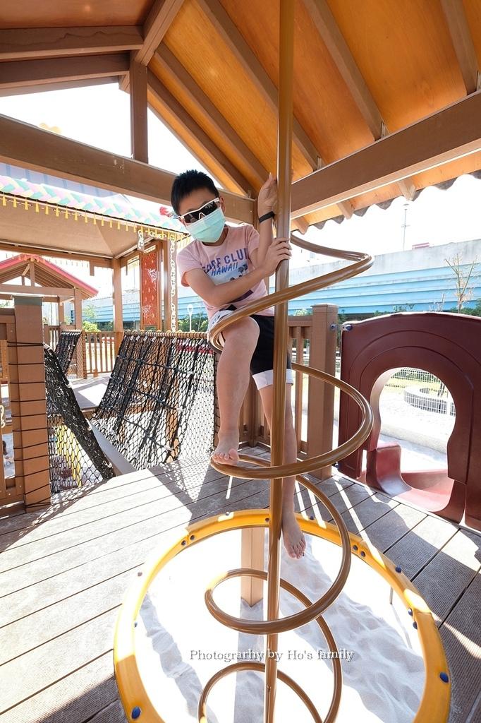【屏東親子公園】麟洛客家花轎遊戲場免費玩沙玩水看火車23.JPG