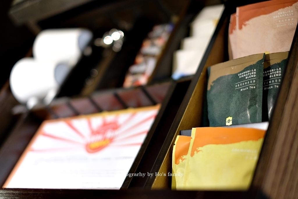 【台南市區住宿推薦】香格里拉台南遠東國際大飯店自助餐餐廳房型泳池玩水19.JPG