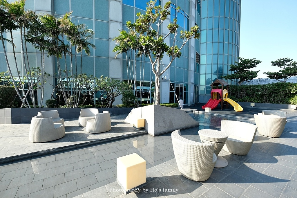 【台南市區住宿推薦】香格里拉台南遠東國際大飯店自助餐餐廳房型泳池玩水62.JPG