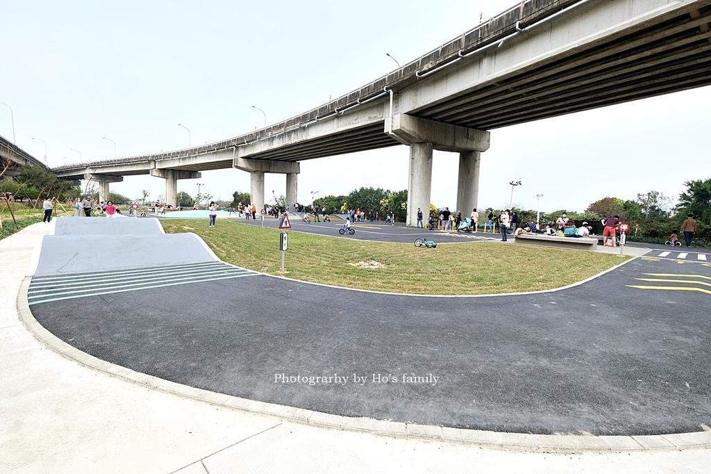 【新竹親子公園】頭前溪左岸Pushbike滑輪公園4.JPG