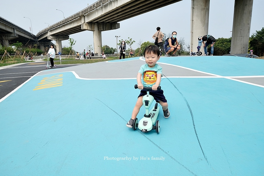 【新竹親子公園】頭前溪左岸Pushbike滑輪公園15.JPG