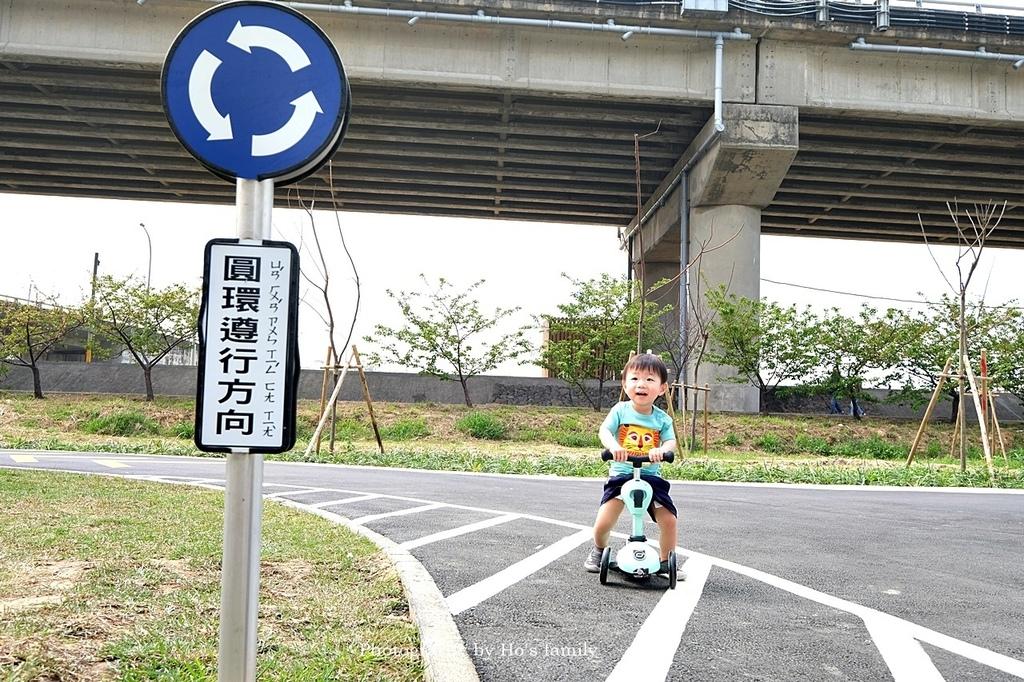 【新竹親子公園】頭前溪左岸Pushbike滑輪公園17.JPG
