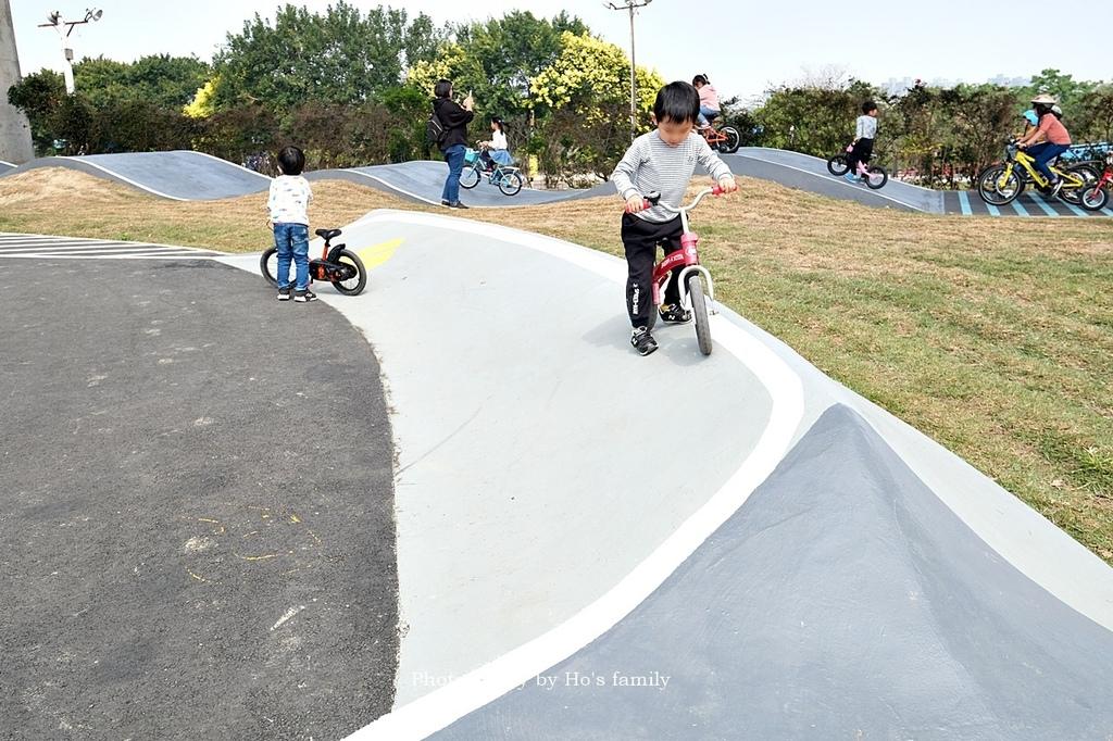 【新竹親子公園】頭前溪左岸Pushbike滑輪公園16.JPG