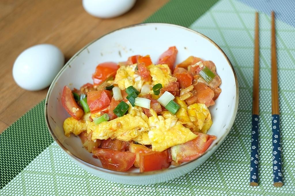 【番茄炒蛋食譜】免番茄醬,簡單做出滑蛋爽口居家料理.JPG