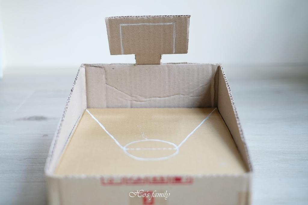 【紙箱玩具DIY】親子勞作籃球場投擲器9.JPG
