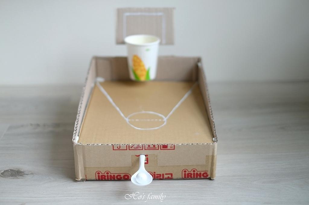 【紙箱玩具DIY】親子勞作籃球場投擲器13.JPG
