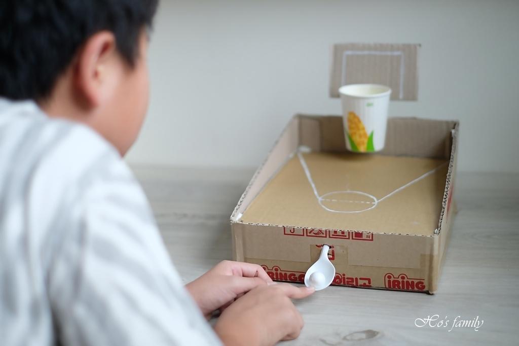 【紙箱玩具DIY】親子勞作籃球場投擲器14.JPG