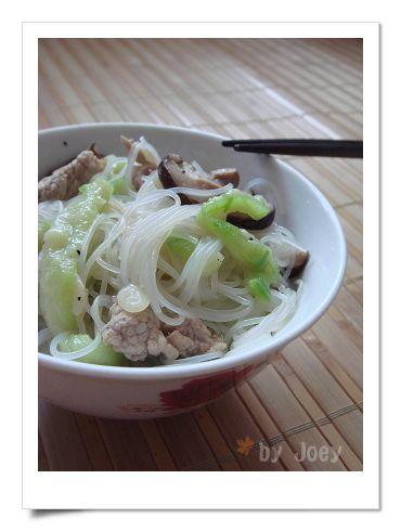 絲瓜煮米粉湯