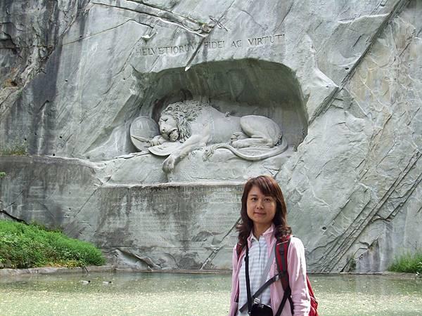 夥伴在獅子紀念碑留影 211.jpg