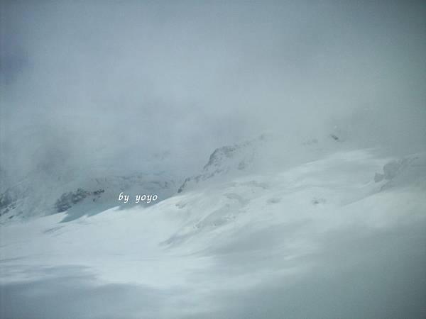 天候變化大外面飄小雪 432.jpg